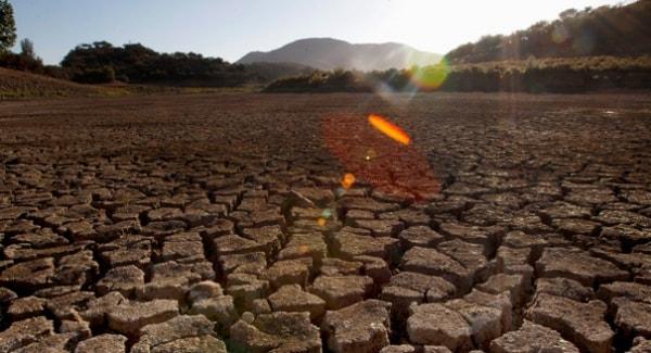 ô nhiễm đất tự nhiên
