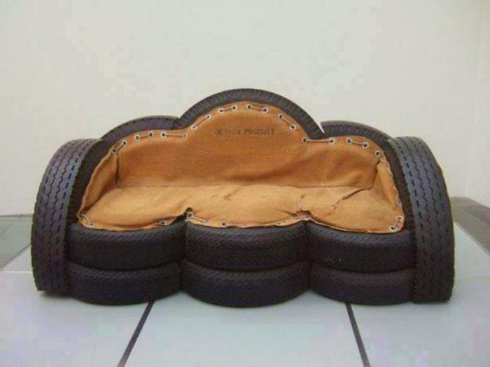 Bộ ghế sofa được tái chế từ lốp xe cũ