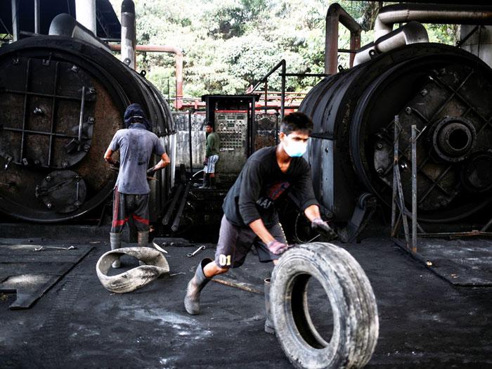 Tái chế lốp xe cũ bằng phương pháp công nghiệp