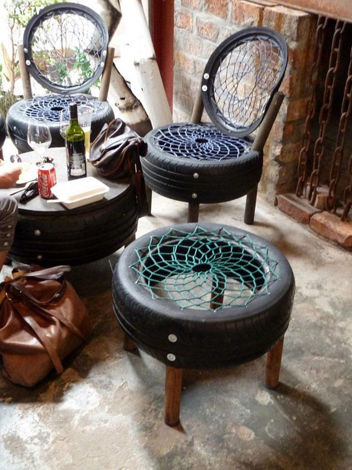 Bộ bàn ghế độc đáo có thể sử dụng ngoài trời