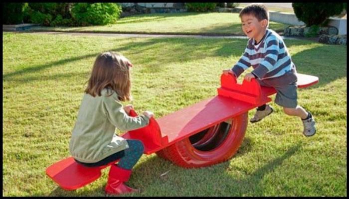 Bạn có thể tạo ra chiếc bập bênh cho trẻ