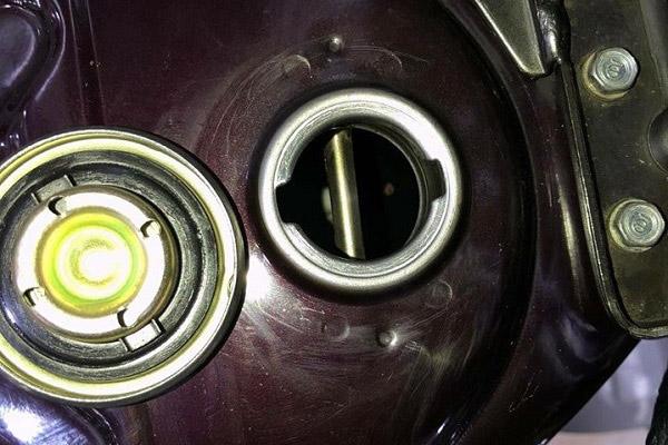 Bao nhiêu tiền mới đổ đầy bình xăng Honda Dream?