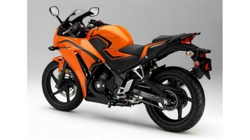 Honda CBR300R màu Cam đen bắt mắt cho nữ 1m50