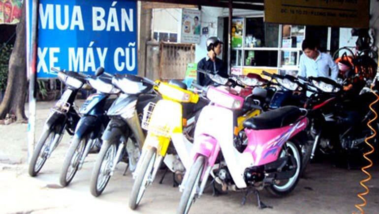 Nên hay không nên mua xe máy cũ trả góp là thắc mắc của nhiều người