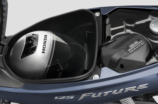 Dung tích cốp để vừa 1 mũ bảo hiểm fullface và một vài vật dụng cần thiết khác