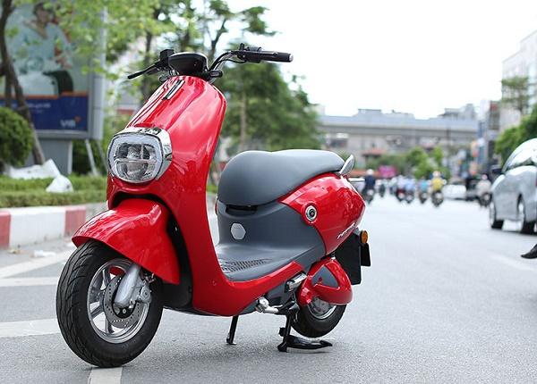 Xe máy điện Aima Mine Plus DK với thiết kế đẹp mắt